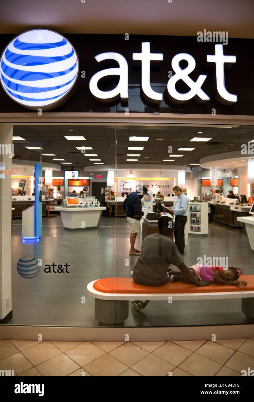 AT and T telecommunications store, Montgomery mall, Washington DC USA - Stock Image