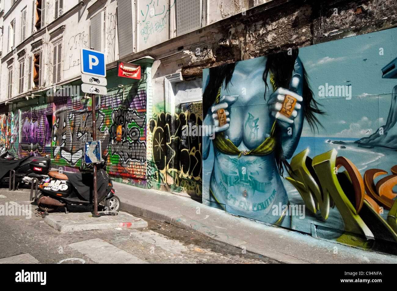 street art graffitti monmartre paris - Stock Image