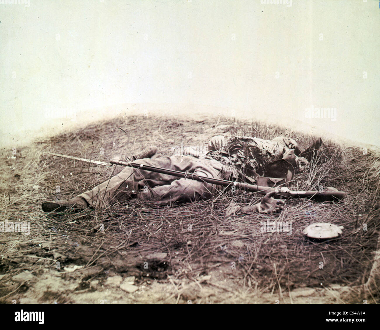 Battlefield of Gettysburg--Body of a soldier in 'the wheat field,' evidently killed by the explosion of - Stock Image