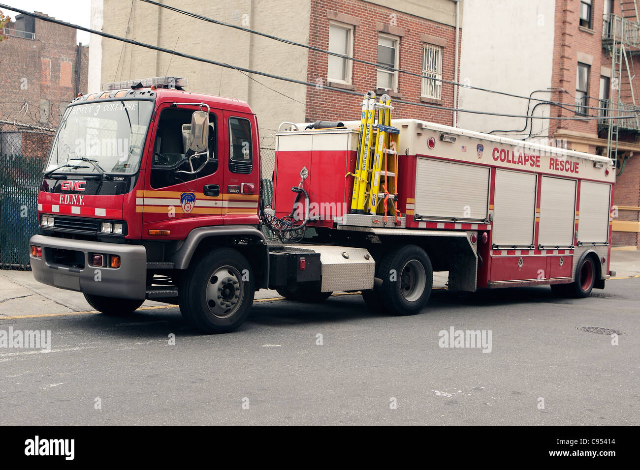Fire Station Kit Stock Photos Images Alamy Gmc T8500 Wiring Diagram Collapse Rescue 3 Fdny Tractor Image
