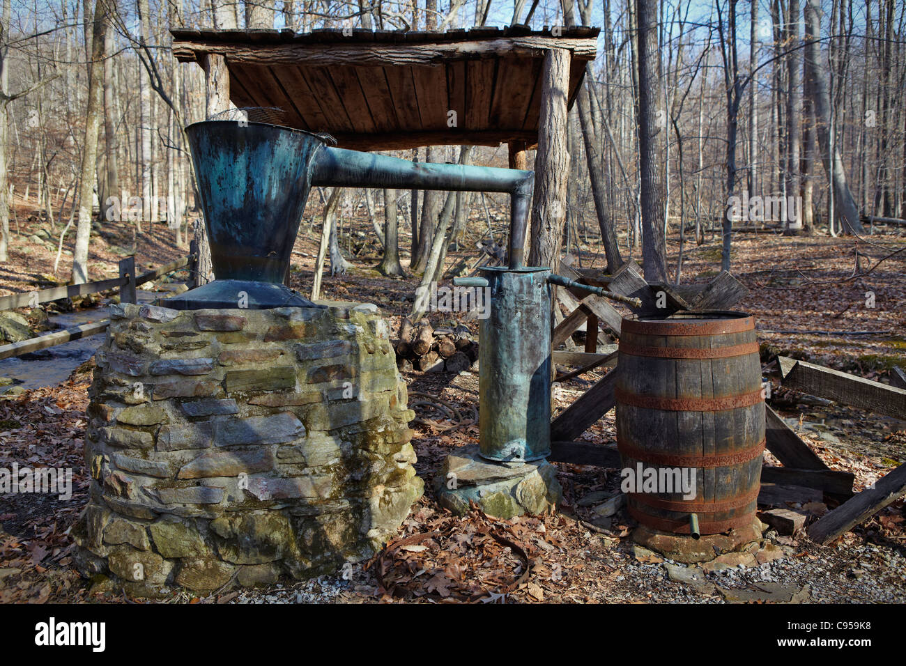 Vintage Prohibition-era copper whiskey still, Blue Blazes moonshine distillery, Catoctin Mountain Park, Thurmont, - Stock Image