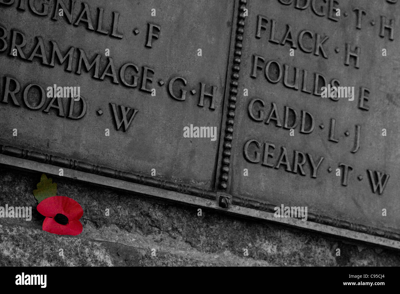 Poppy & Names On Mountsorrel War Memorial - Stock Image