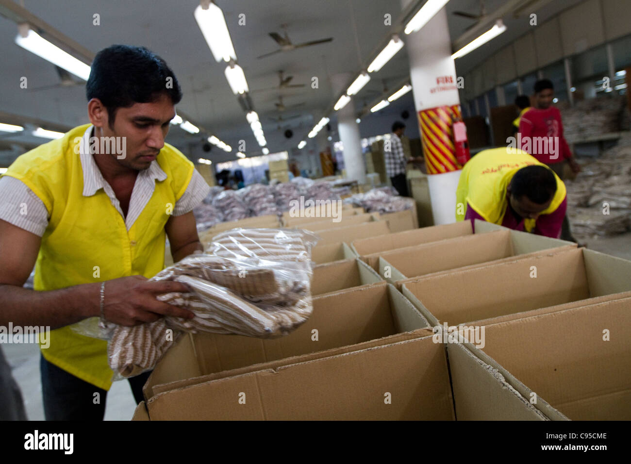 Garments worker in Bangladesh - Stock Image