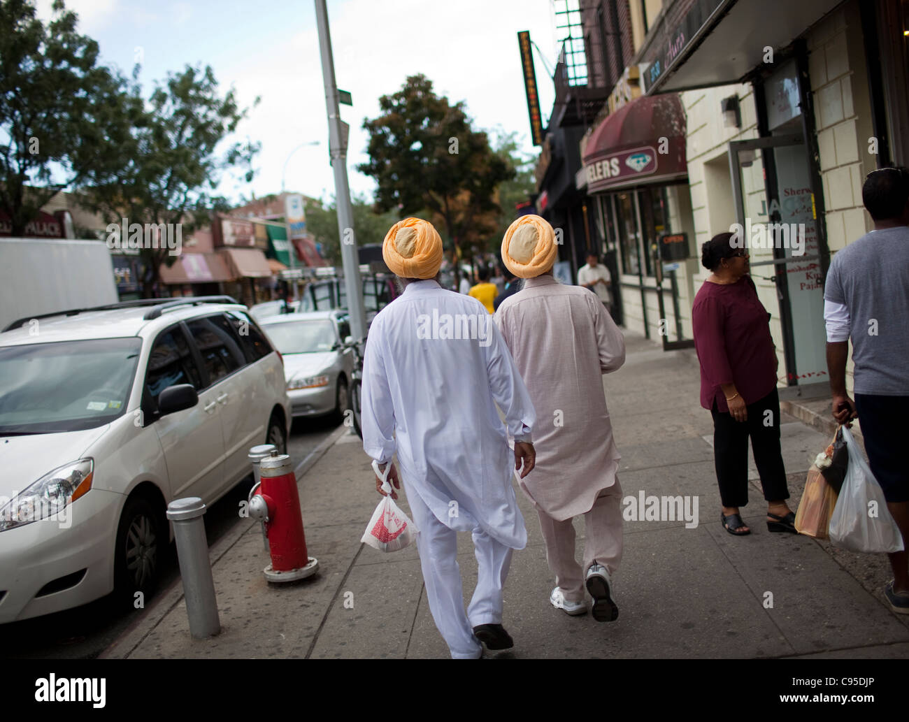 hindu single men in jackson heights Police are looking for three suspects who allegedly used social media to carry  out a rental scam in jackson heights, east elmhurst and.