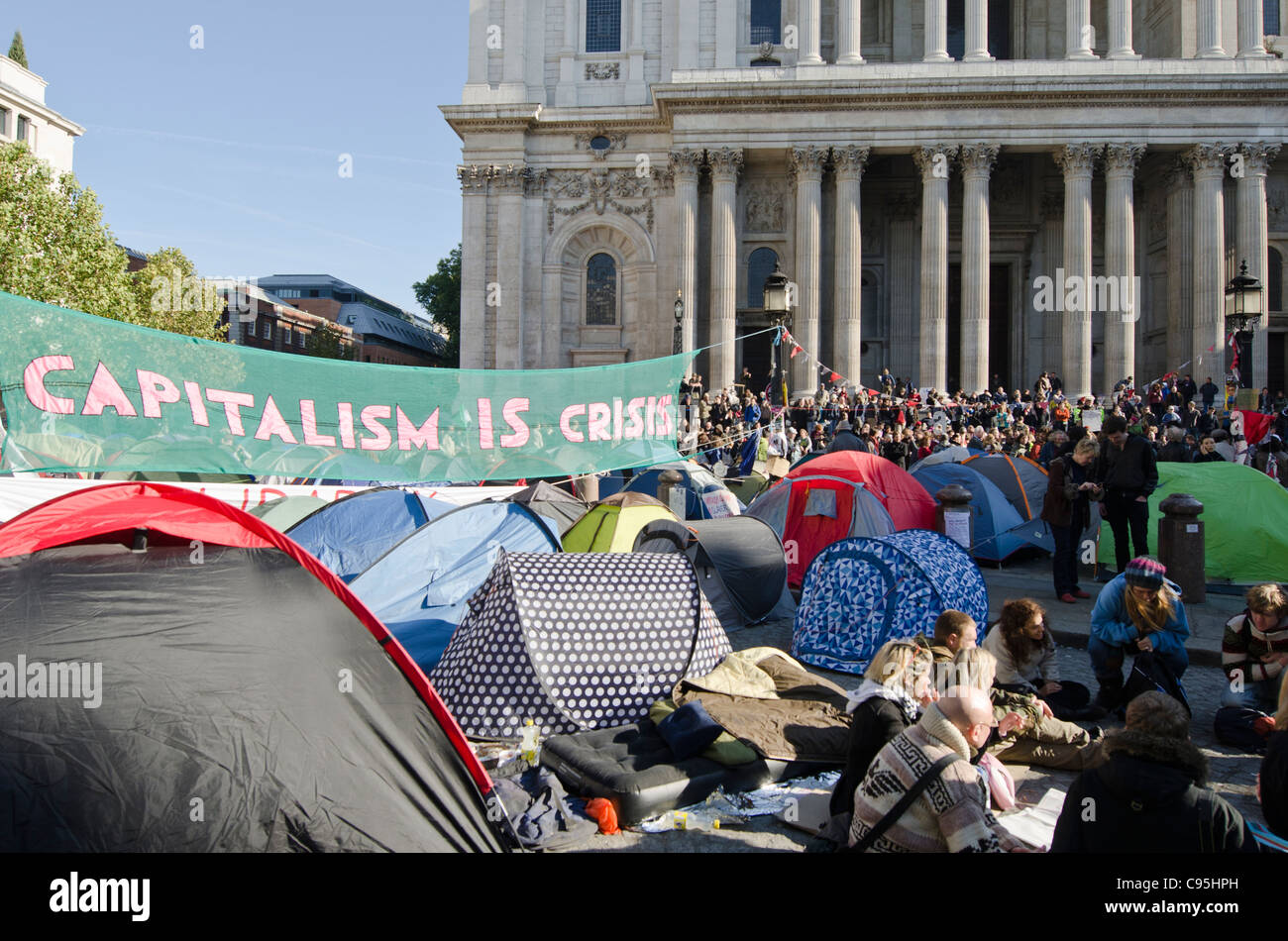 Anti Capitalist Tent protesters St Paul's Cathedral, City of London Uk. Occupy London - Stock Image