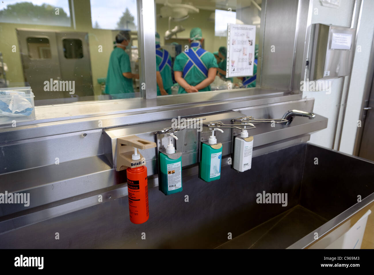 Handwashing Hospital Stock Photos Amp Handwashing Hospital