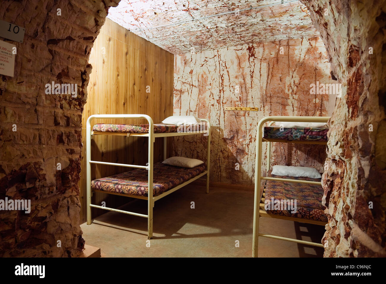 Underground accommodation at Radeka's Downunder Dugout Motel and Backpackers.  Coober Pedy, South Australia, - Stock Image