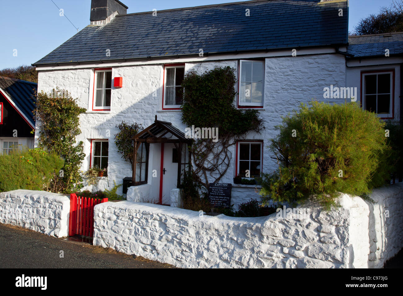 Cottage at Cwmtydu, on the Ceredigion Coast, near New Quay, Wales - Stock Image