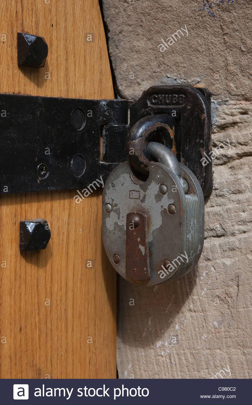 Door Hasp and Padlock Sunken Church Bramcote Nottinghamshire - Stock Image & Door Hasp Stock Photos u0026 Door Hasp Stock Images - Alamy