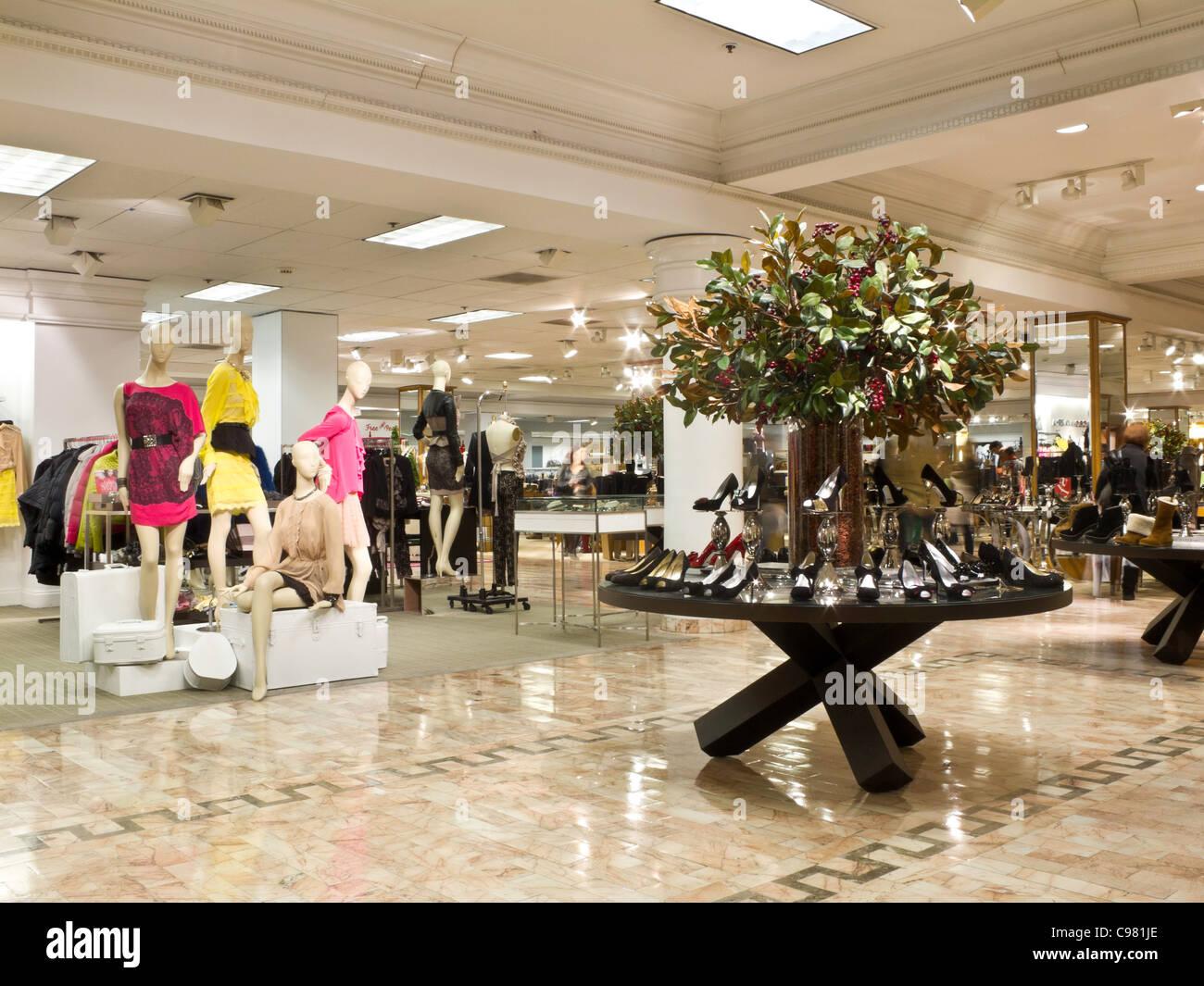 Department Mannequins Clothing Store Interior Stock Photos ...
