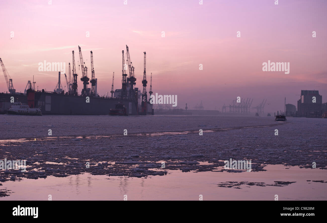 floating cranes stock photos floating cranes stock images alamy. Black Bedroom Furniture Sets. Home Design Ideas