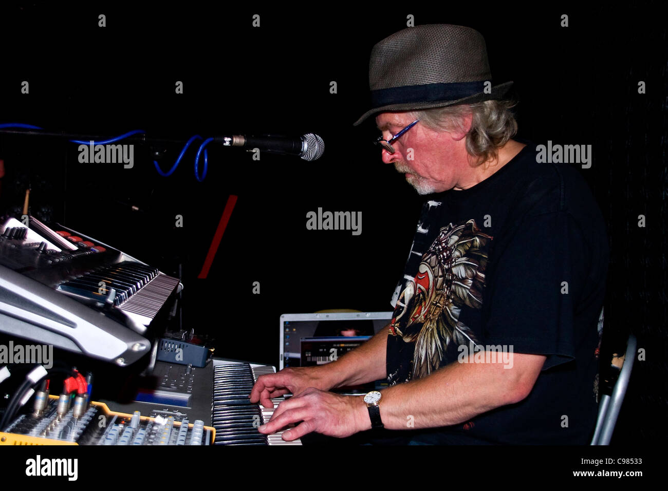 The Midnight Blues Band Malcolm Miller playing the keyboards at The SOUL nightclub in Dundee during the 2011 Blues Stock Photo