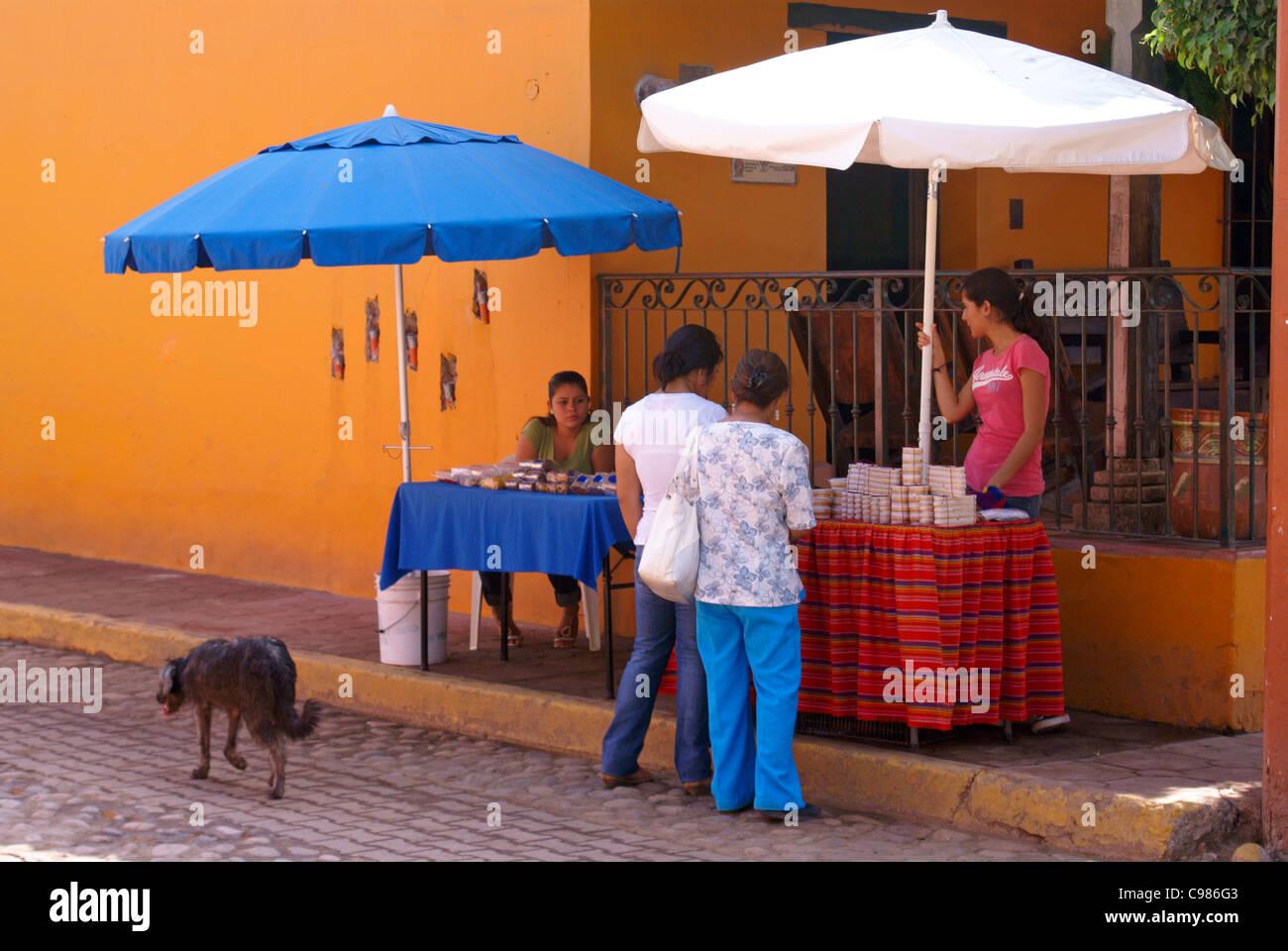 Street vendors in the town of El Quelite near Mazatlan, Sinaloa, Mexico - Stock Image