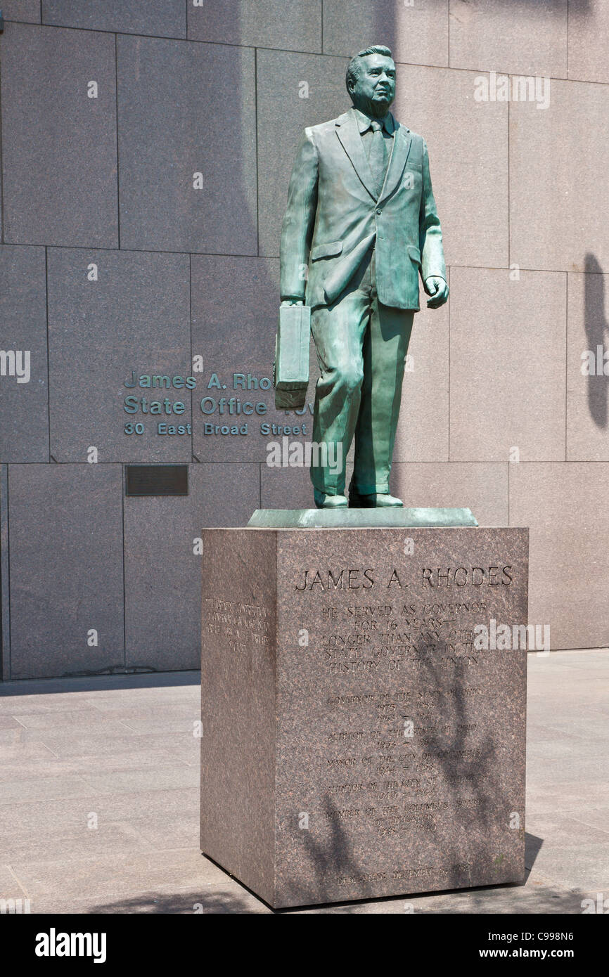 Statue of James A. Rhodes in front of the State Office Tower in downtown Columbus, Ohio. - Stock Image