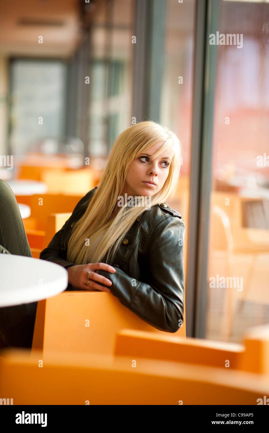 16 Year Old Girl Sitting Stock Photos & 16 Year Old Girl