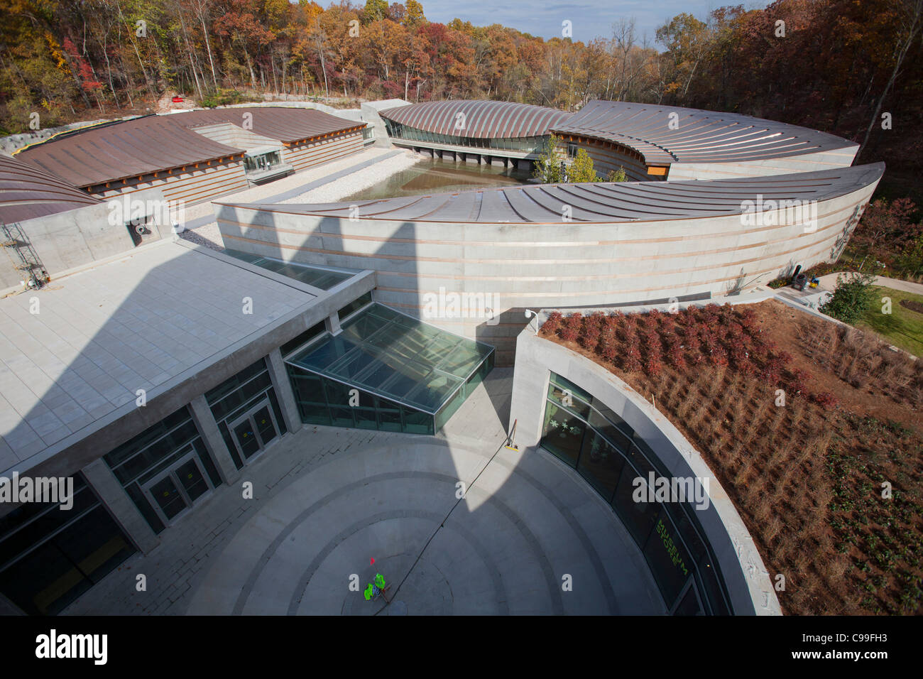 An overview of Crystal Bridges Museum of American Art in Bentonville, Arkansas, USA. - Stock Image
