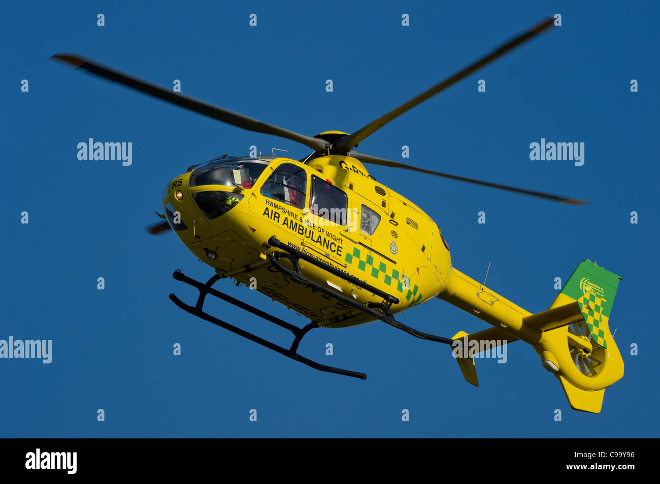 Hampshire and isle of wight air ambulance comes in to land at Southampton General hospital - Stock Image