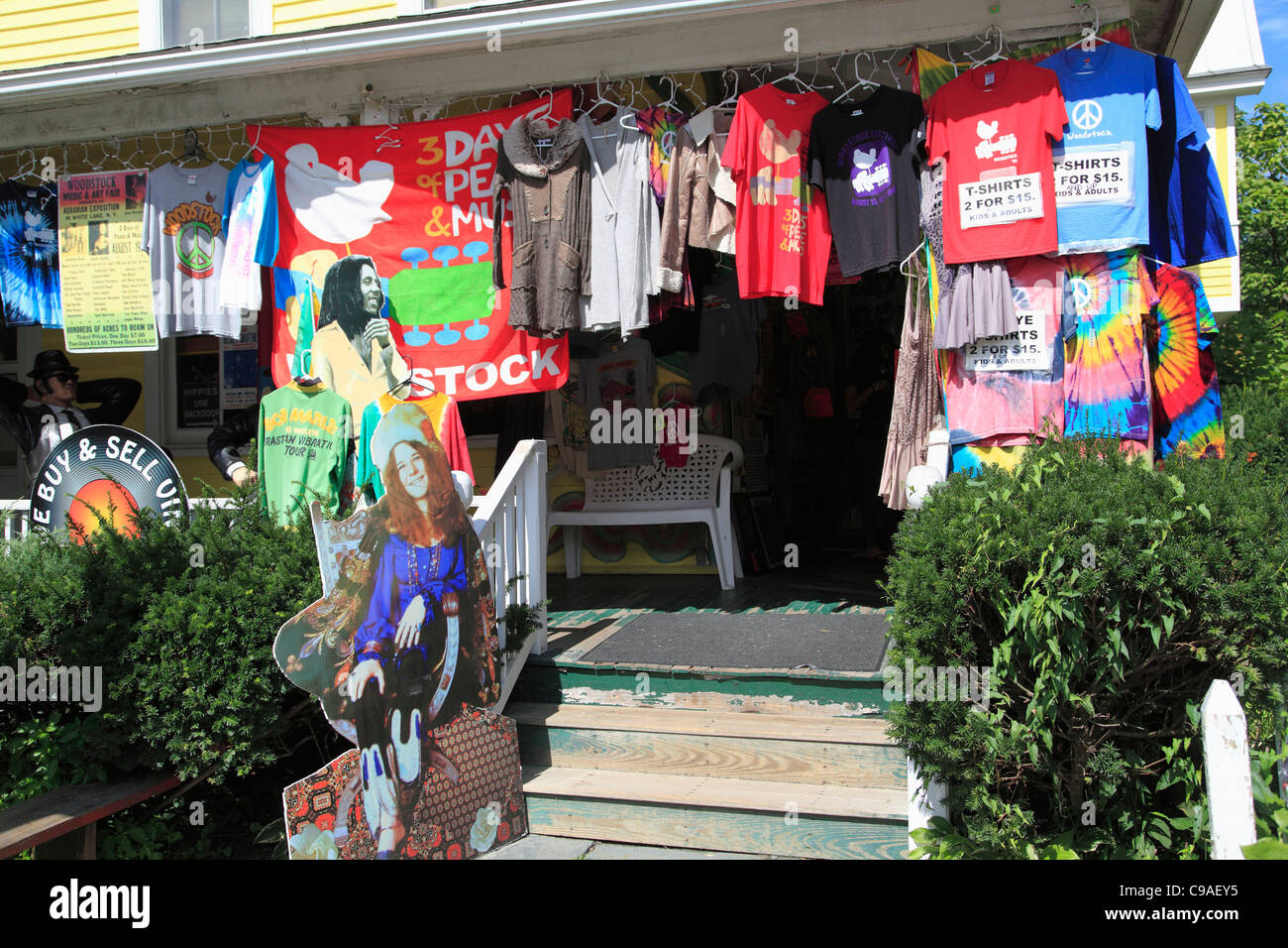 Shop selling hippie, Woodstock festival memorabilia, Woodstock, Catskills, Ulster County, New York, USA - Stock Image