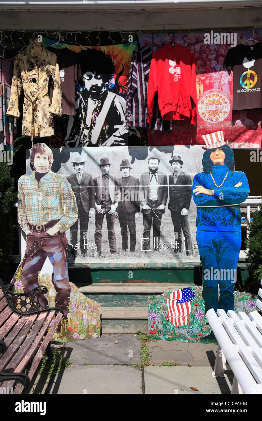 Shop selling hippie, Woodstock festival memorabilia, Woodstock, Catskills, Ulster County, New York, USA Stock Photo