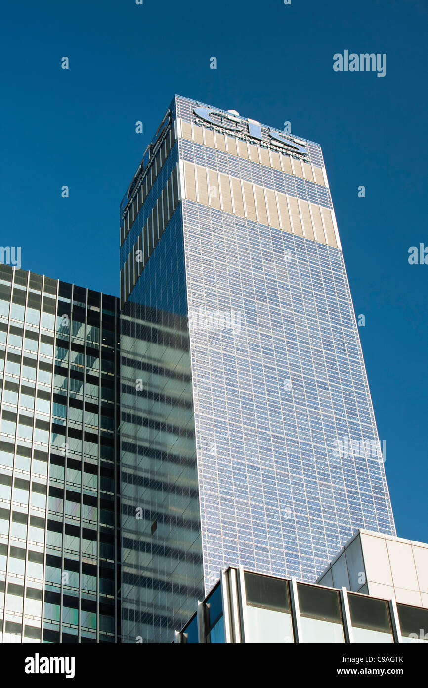 The Cooperative CIS Tower in manchester, UK. The tower has been covered in 7000 Solar panels - Stock Image