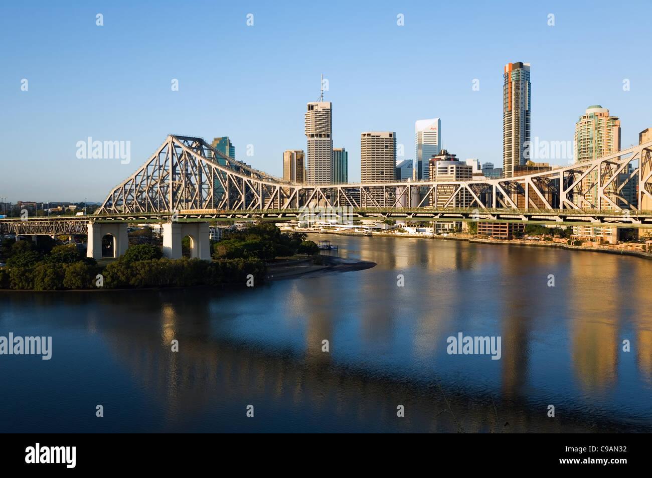 Story Bridge and central business district along the Brisbane River.  Brisbane, Queensland, Australia - Stock Image