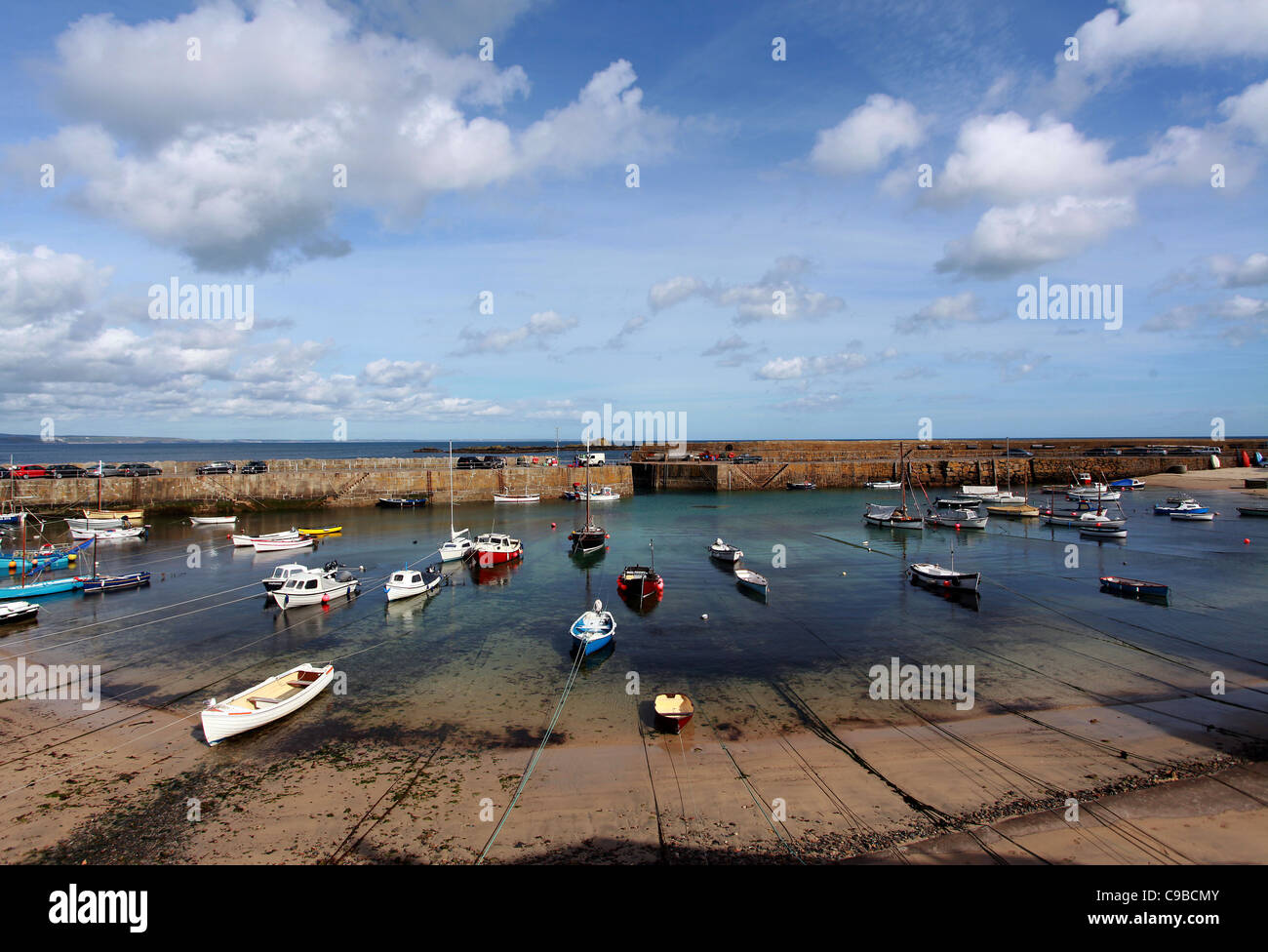 General view of the harbour bay in St Ives fishing town in Cornwall, United Kingdom. - Stock Image