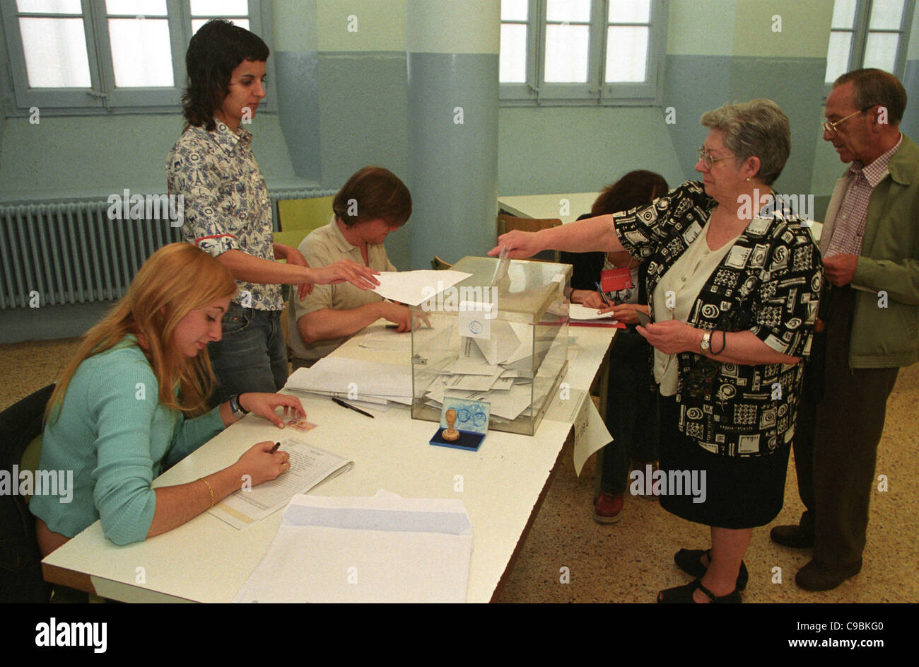 20.11.2011, Barcelona, Catalonia, Spain - Elections in Spain - Photo: At the parliamentary elections in Catalonia - Stock Image