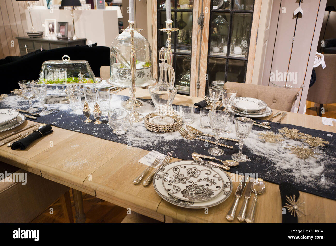Paris France Galeries Lafayette Maison Housewares Department Store Christmas Displays Inside Holiday Table Settings