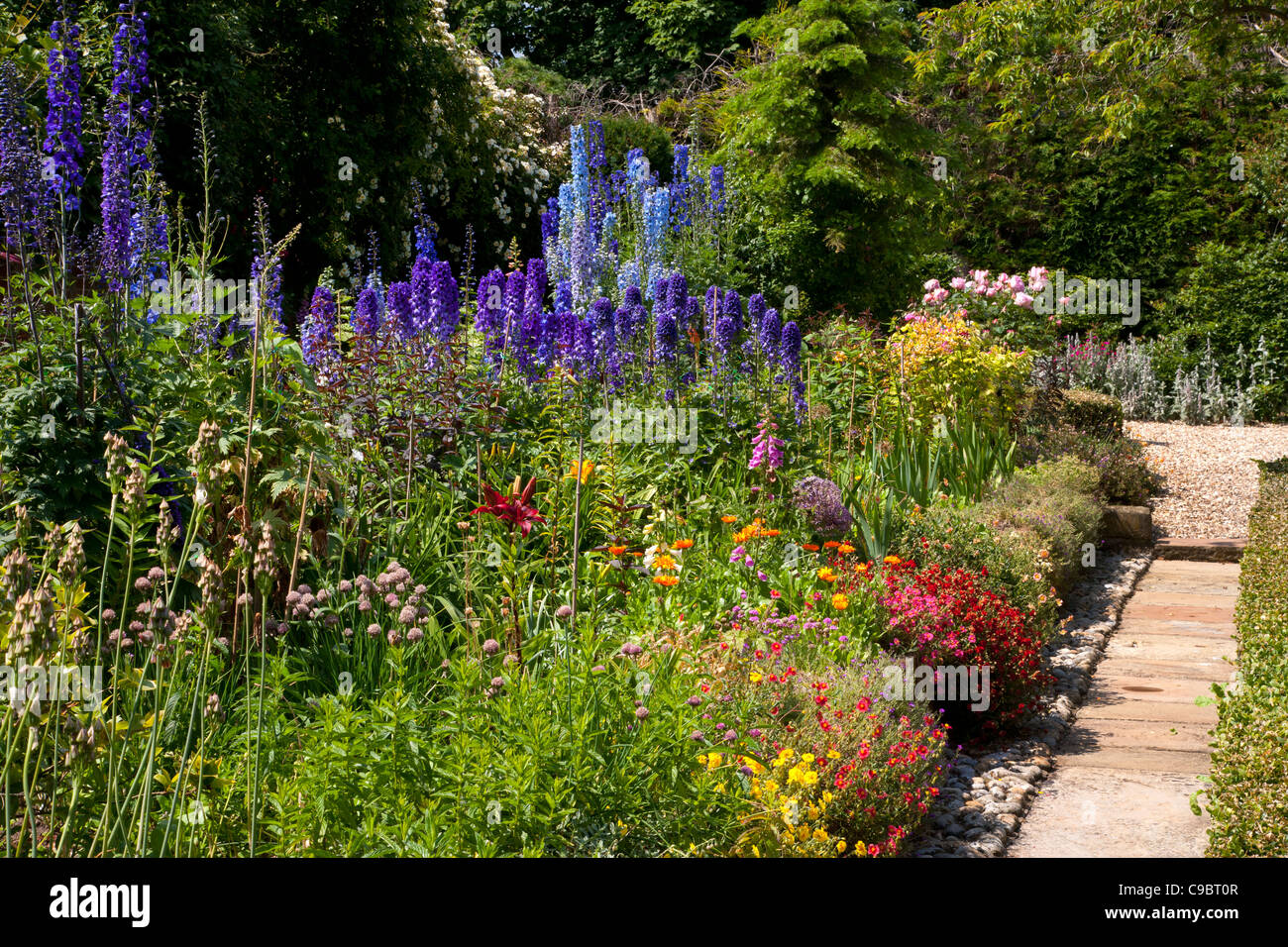 Marvelous Classic Summer English Cottage Garden With Herbaceous Border Download Free Architecture Designs Viewormadebymaigaardcom
