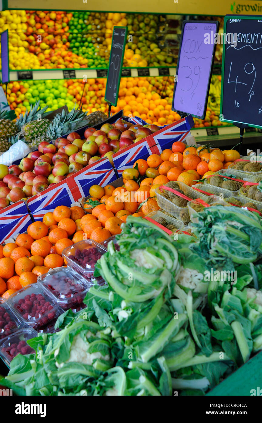 Traditional greengrocers fruit and veg shop on UK Highstreet. - Stock Image