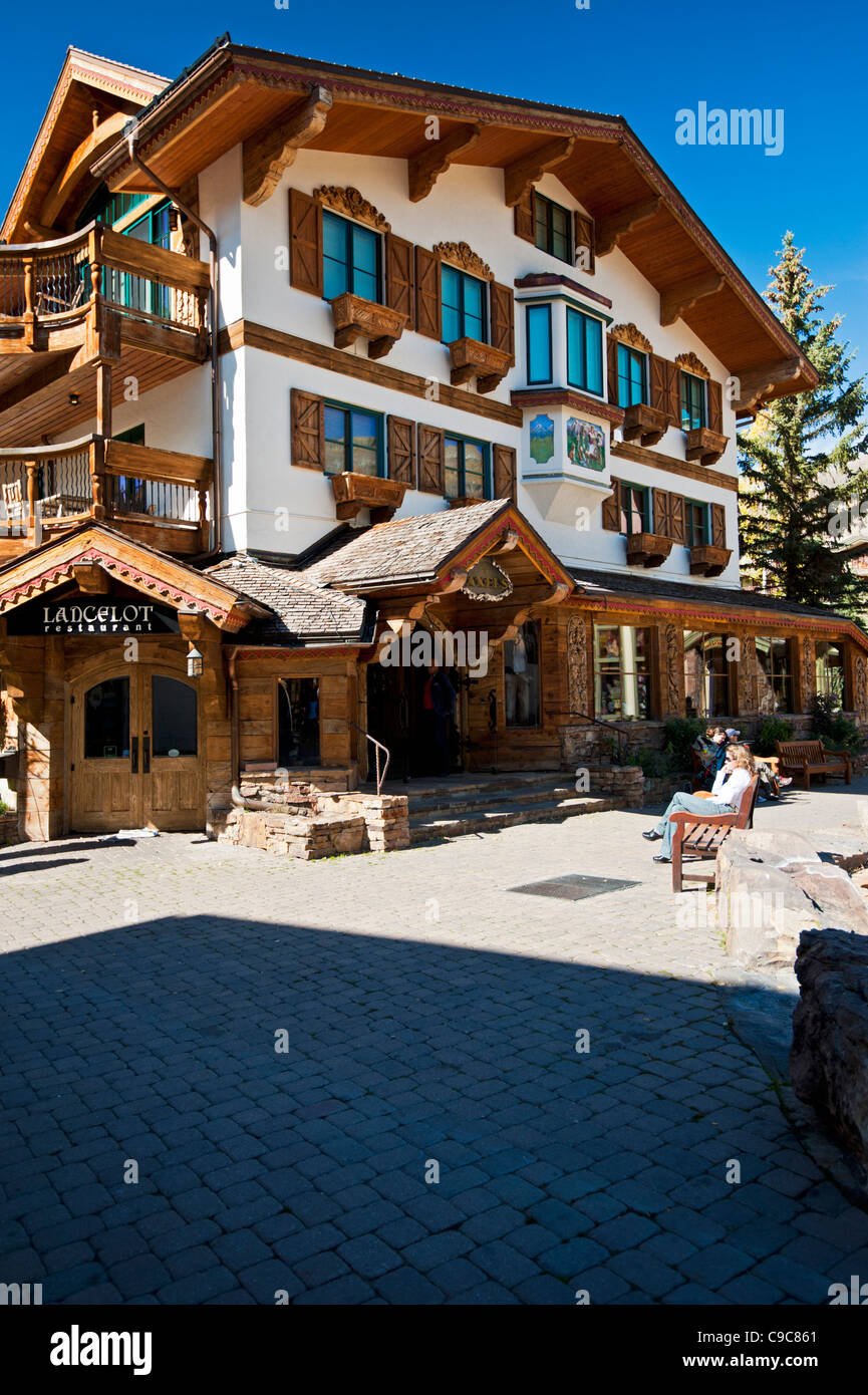 A popular resort in Vail Colorado with convenient restaurants and bars - Stock Image