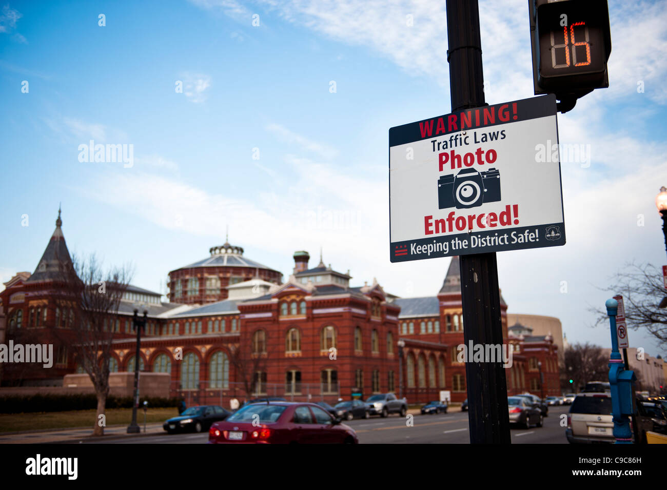 Independence avenue, Washington DC, A sign in front of the Smithsonian Museum warning motorists of traffic cameras. Stock Photo