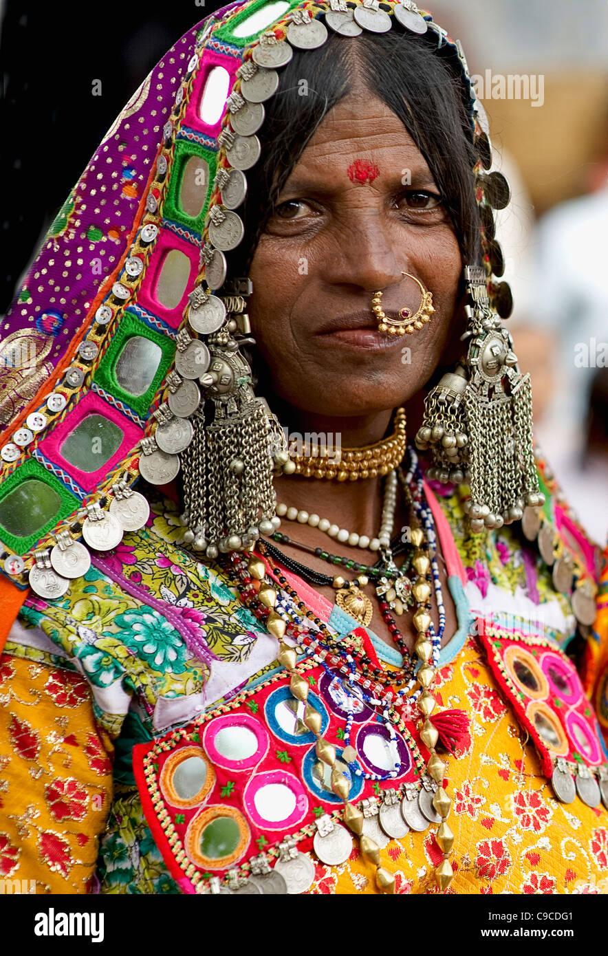 India, South Asia, Karnataka, Lambani Gypsy woman. Tribal forest dwellers,  now settled in 30-home rural hamlets Stock Photo - Alamy