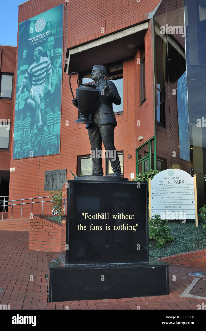 Statue of Jock Stein at the entrance to Celtic Park in Glasgow. - Stock Image