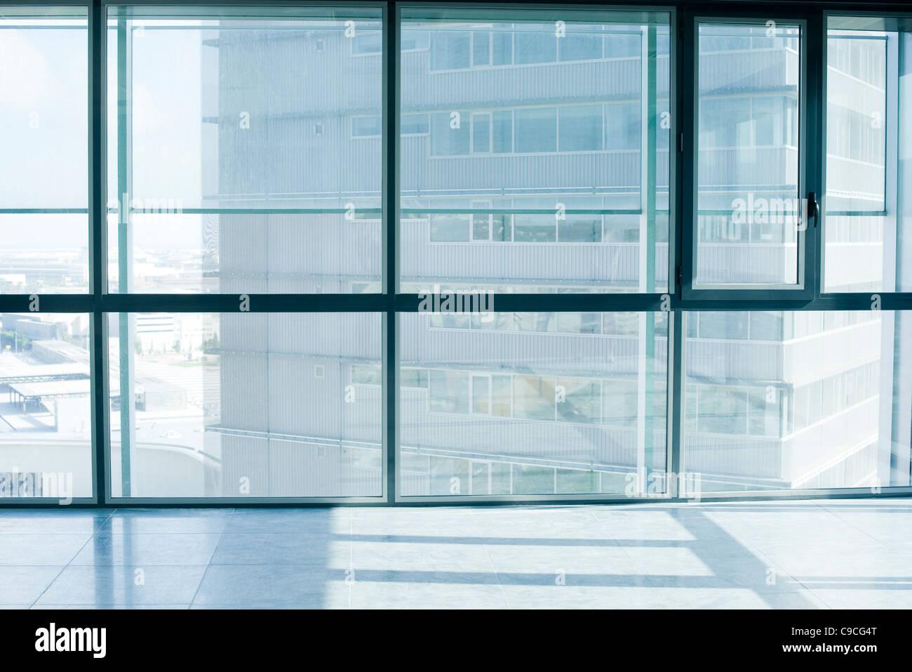 Empty room with bay windows - Stock Image