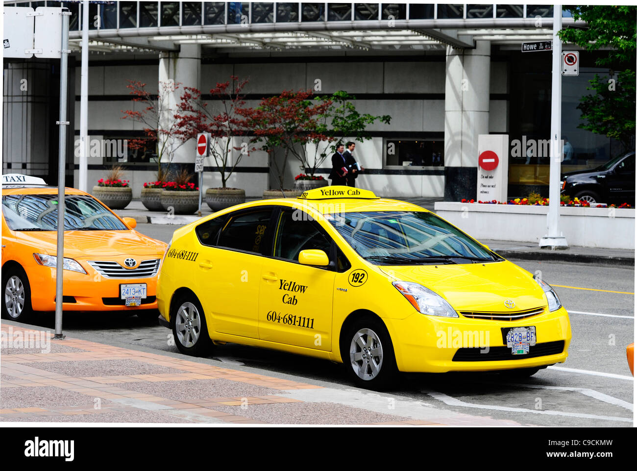 Yellow cab taxi in Vancouver. - Stock Image