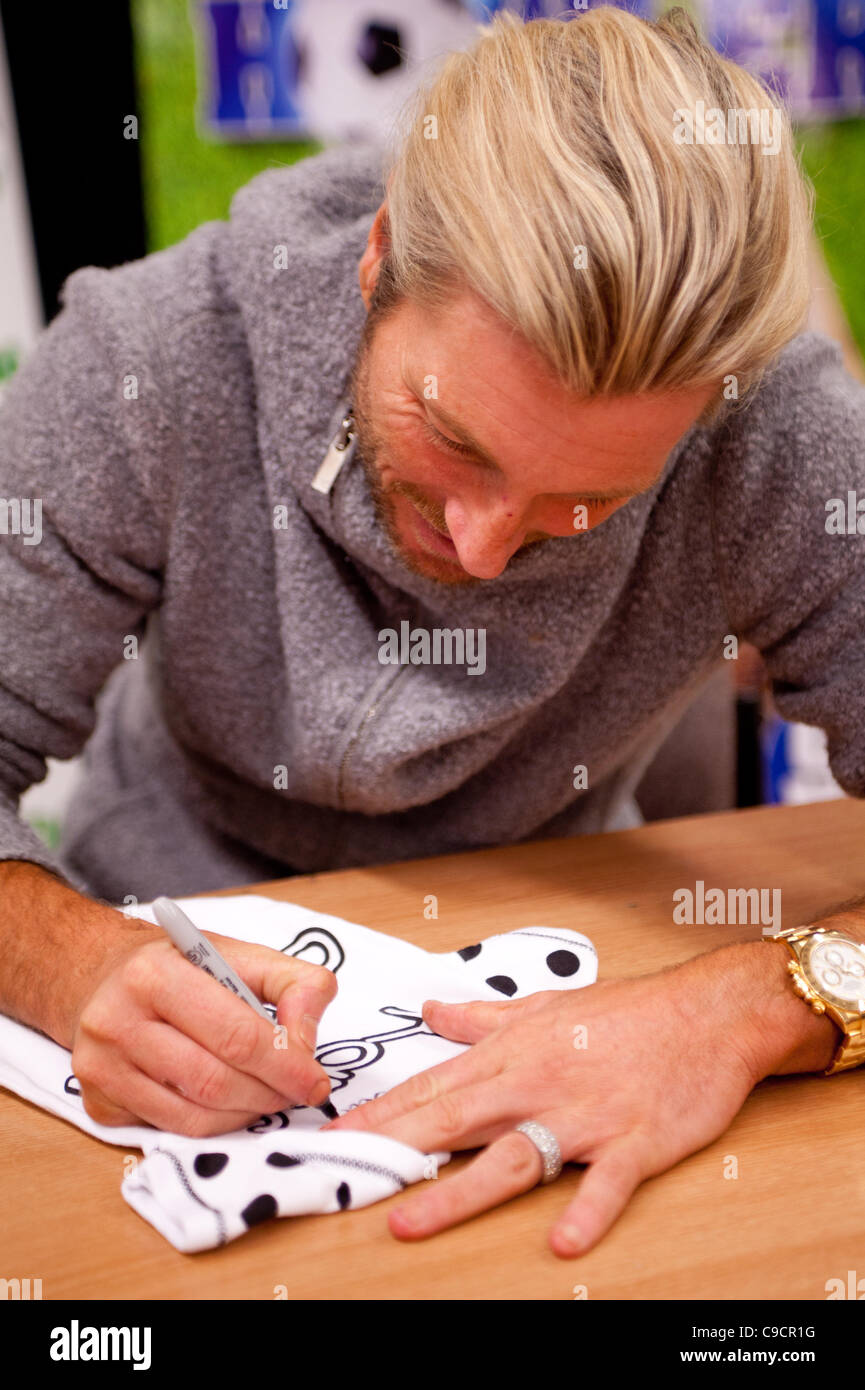 Robbie Savage arrived at Asda Spondon in Derby, UK on Tuesday 22nd December for the signing of his DVD Football - Stock Image