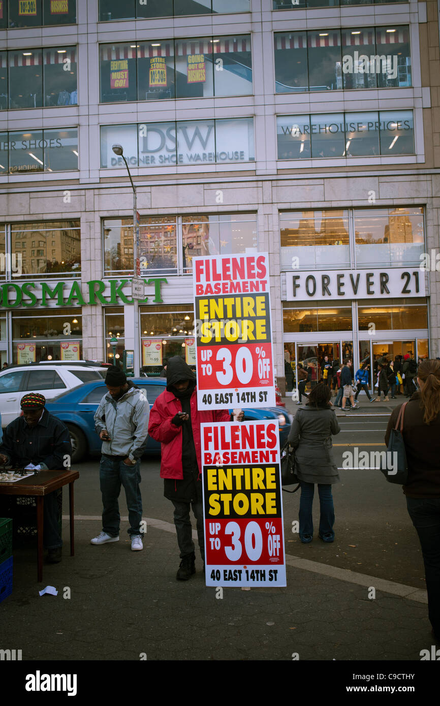 363e51800b Liquidation sale of the Filene s Basement and Syms stores - Stock Image
