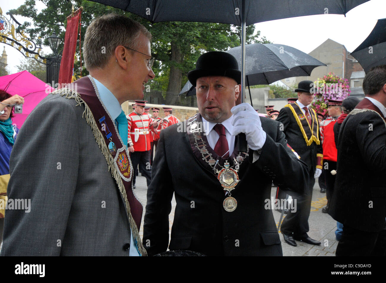 Democratic Unionist Party (DUP) MP Gregory Campbell (left) with Apprentice Boys of Derry governor Jim Brownlee. - Stock Image