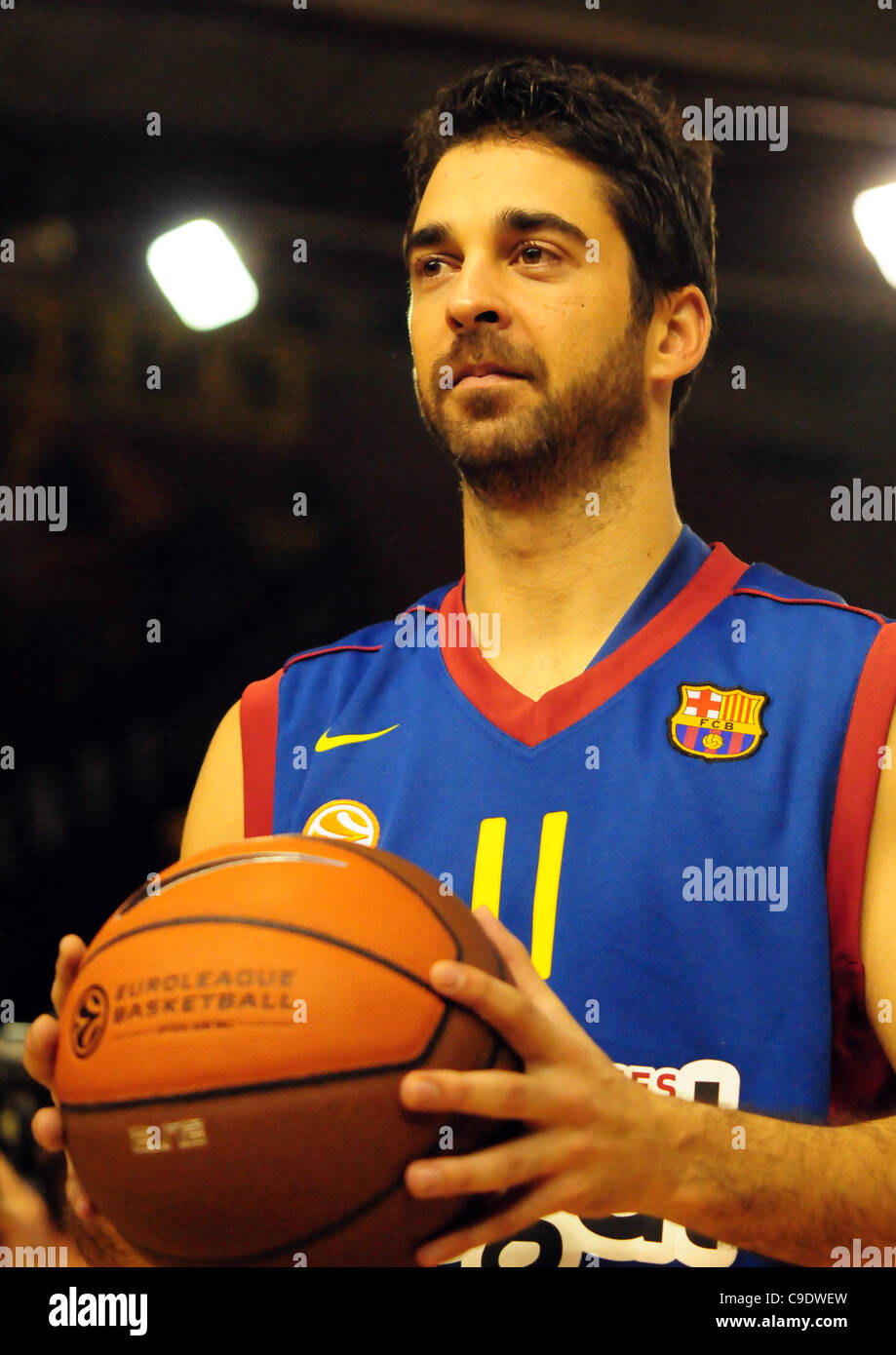 Juan Carlos Navarro (Regal FC Barcelona) with the match ball that has earned him being the Euroleague Basketball - Stock Image