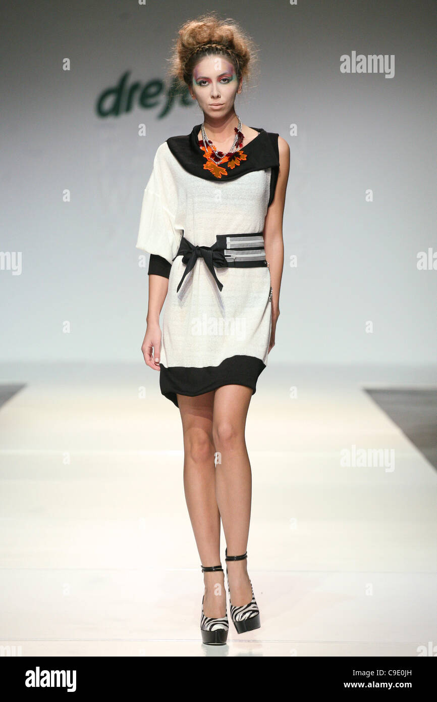 ZAGREB, CROATIA, 26/11/2011 Artiđana 2012 Spring Summer Collection runway show at the Dreft Fashion Week Zagreb. - Stock Image