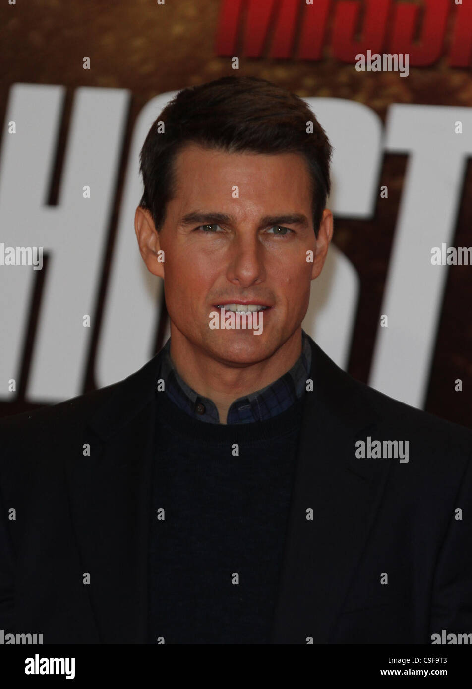 London, UK, 13/12/2011 Tom Cruise attends the Mission: Impossible Ghost Protocol - UK film premiere at the BFI IMAX - Stock Image