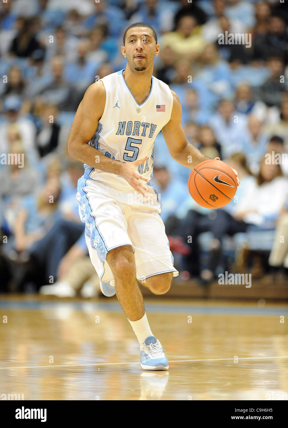 Jan. 01, 2012 - Chapel Hill, North Carolina; USA -  North Carolina Tarheels (5) KENDALL MARSHALL drives to the basket - Stock Image