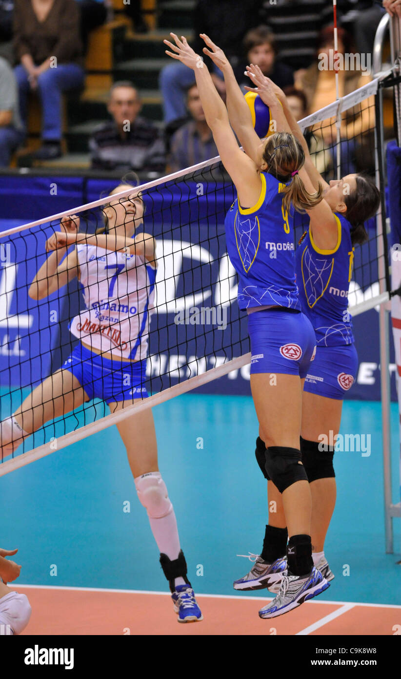 Olesja Nikolajevova of Dinamo (left to right) and Michaela Monzoni and Monika Smak of Prostejov in their volleyball - Stock Image