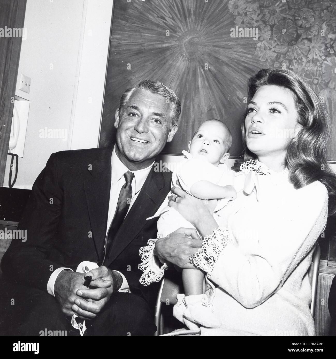 cary grant with dyan cannon and daughter jennifer grant supplied by