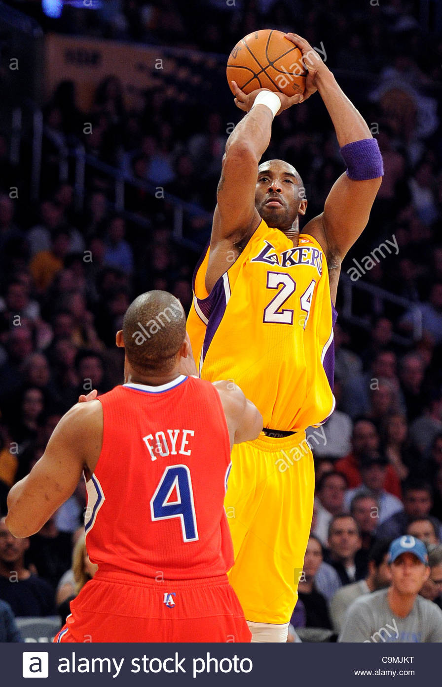big sale 3e8c3 b8b83 The Lakers' Kobe Bryant (24) shoots as the Clippers Randy ...