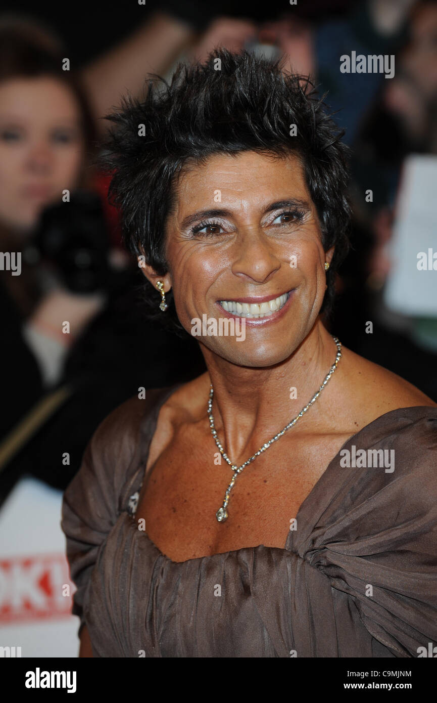 Watch Fatima Whitbread 2 Olympic medals in javelin throw video