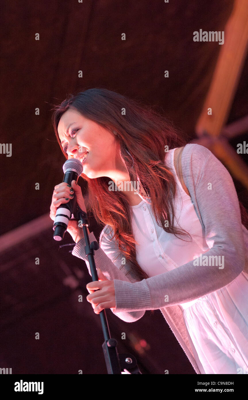 29th January 2012. London, UK -  Dora Lam and band 'Jenny Said Yes' play to a large crowd at the centre - Stock Image