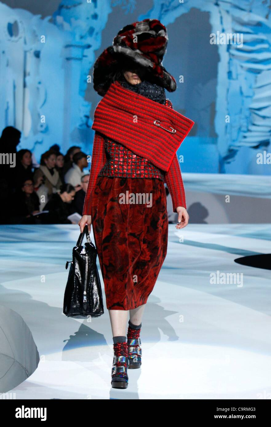Model On The Runway For Marc Jacobs Fall Winter 2012 Fashion Show At Stock Photo Alamy