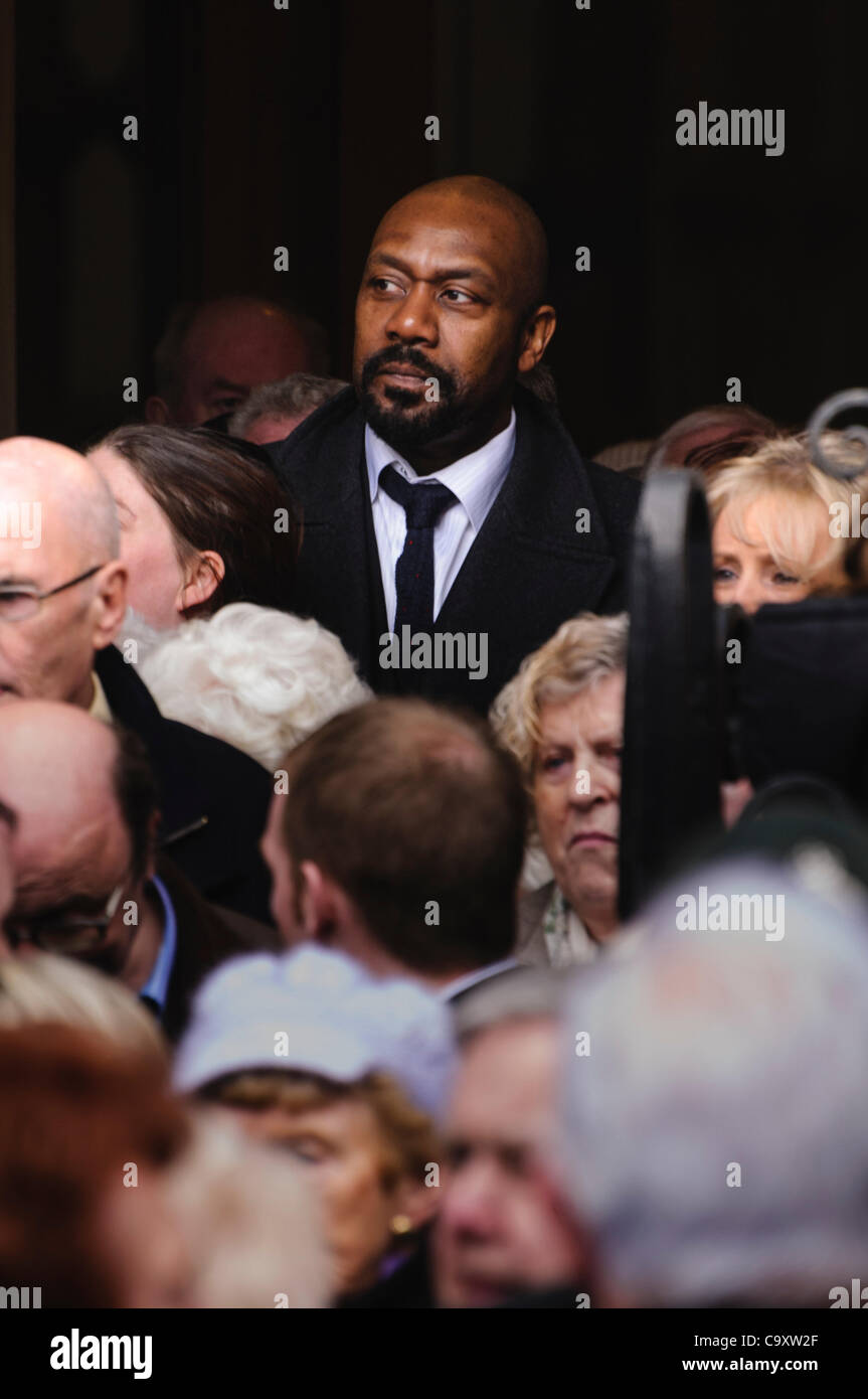 Lenny Henry Among A Crowd Of People